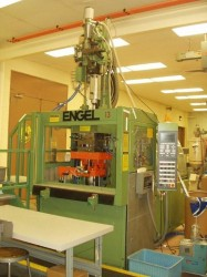 used engel plastic molding machine