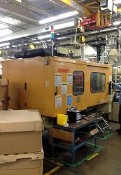 330 ton Husky plastic molding machine