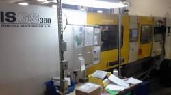 390 ton Toshiba plastic molder