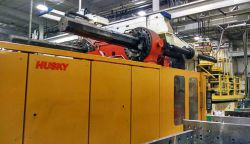 Husky 1815 ton used plastic molding machine for sale