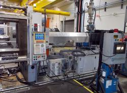 1999 700 ton used Van Dorn plastic molding machine