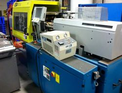 2001 55 ton used boy plastic molding machine