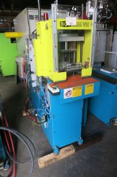 22 ton BOY used vertical plastic molder from 2000 with low hours of usage.