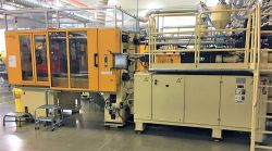 2007 300 ton Husky used plastic injection molder