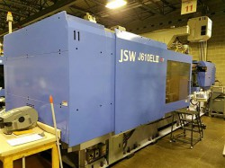 Photo of a 2008 610 ton JSW electric plastic molder