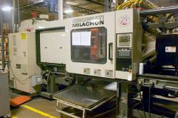 1997 300 ton Cinci MIlacron used plastic molding machinery picture