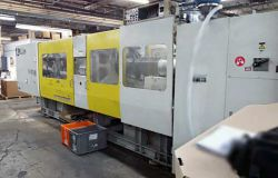 1994 500 ton Toshiba used plastic injection molder for sale