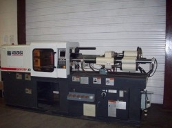 used cinci plastic molding machine
